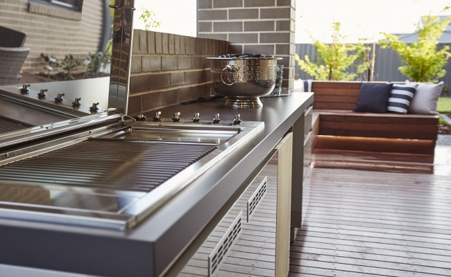 Alfresco, outdoor kitchen