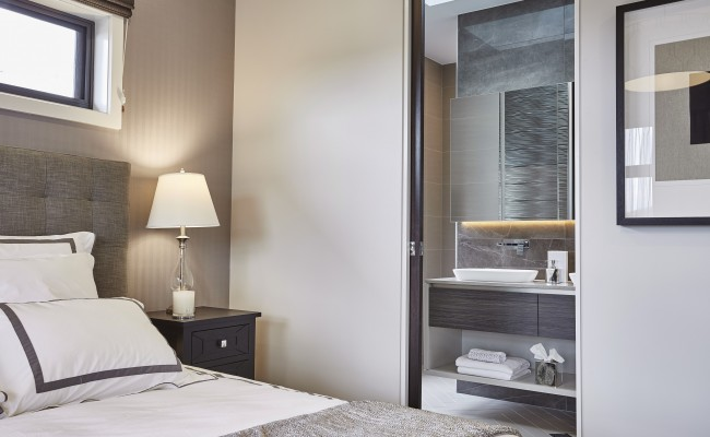Master bedroom, ensuite