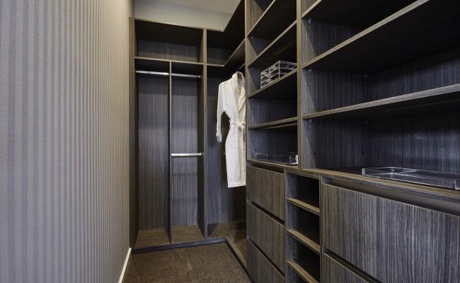 Walk in robe Bedroom